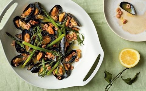Tom Kitchin's pan-cooked mussels, brown shrimp and asparagus recipe