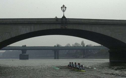 Putney Bridge jogger arrest as police seize 50-year-old man for GBH at his Chelsea home