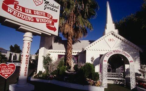 Las Vegas battles 'love recession' as millennials stop getting married