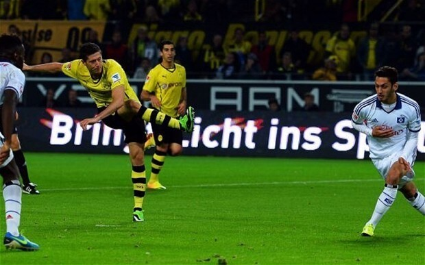 Robert Lewandowski's double helps Borussia Dortmund maintain their perfect start to the season