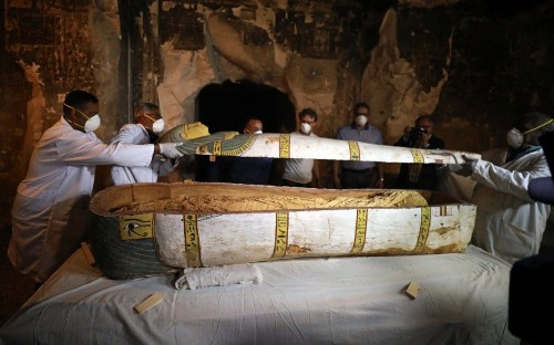 Egyptian archaeologists unveil newly discovered Luxor tombs