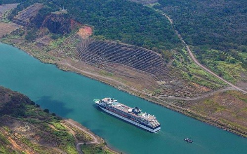 Panama Canal cruise: trip of the century