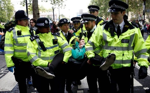 Extinction Rebellion: police accused of 'losing control' of protest as government urged to step in