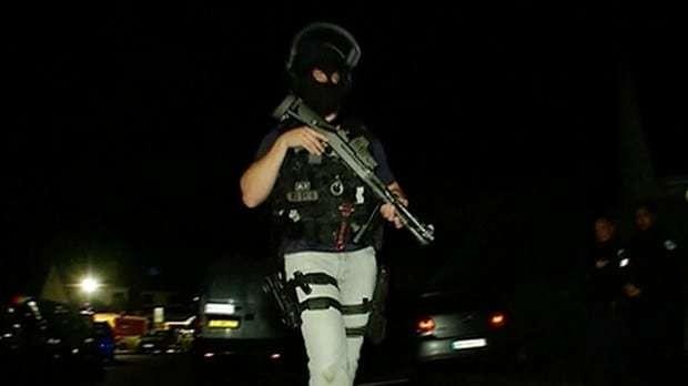 Islamic State terrorist murders police officer in Paris