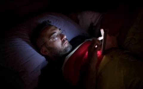 Light impact from devices on sleep may be overstated, says scientist