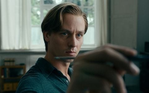 Never Look Away review: watching paint dry has never been so riveting