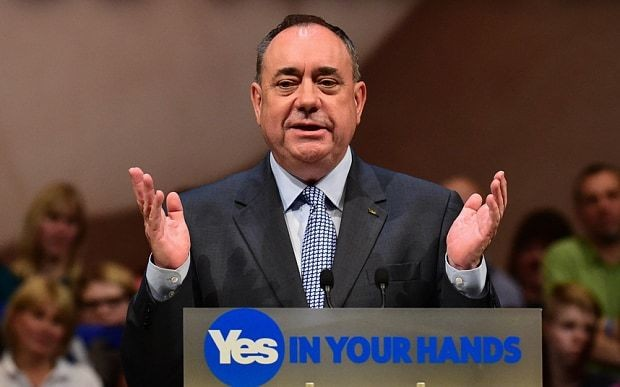 Alex Salmond praises 'greatest campaigners' in final referendum rally as Nick Robinson is booed