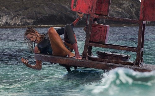 The Shallows review: this Gravity-with-sharks grips you in its teeth and never lets go
