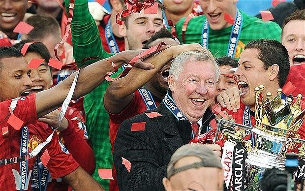 Alex Ferguson given fitting finale as Manchester United celebrate title with 2-1 victory over Swansea City