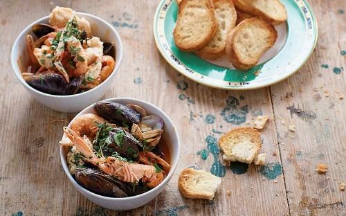 Venetian-style fish soup (zuppa di pesce)