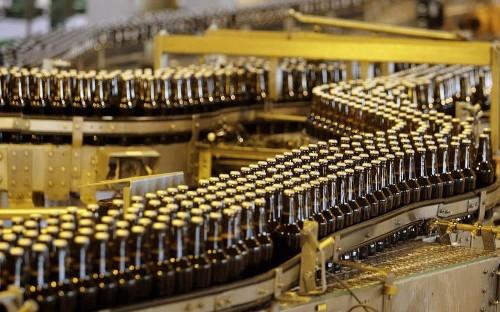 Brazilian slump dampens beermaker AB InBev as it toasts £79bn SABMiller deal