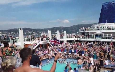 All you can drink cruise packages criticised by P&O passengers as police rule out clown as brawl perpetrator