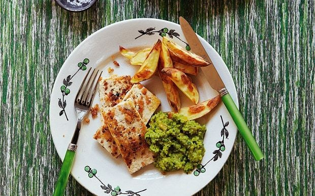 Crispy peppered tofu, healthy chips and mushy cider peas