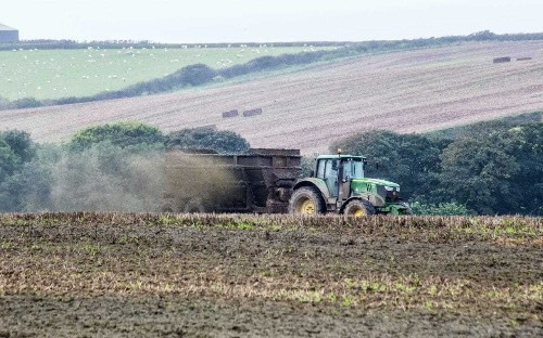 Countryside becoming 'lawless', say expers, as Environment Agency cuts inspections by one third