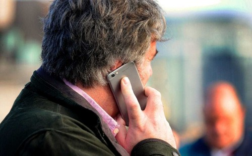 Mobile phone cancer warning as malignant brain tumours double