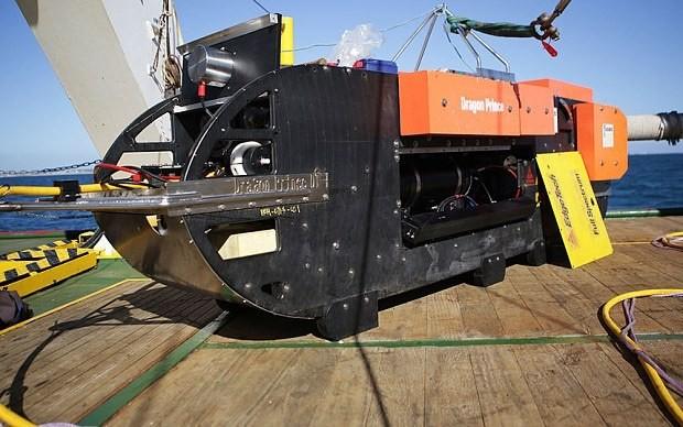 MH370 hunt loses sonar probe to undersea volcano