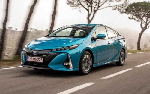 Toyota Prius Plug-in review – does this hybrid make sense?