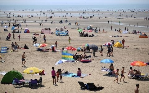 UK weather: Record heatwave forecast for bank holiday weekend