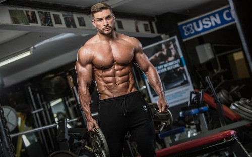 8 tips on how to bulk up for 2018, from a Mr Olympia finalist