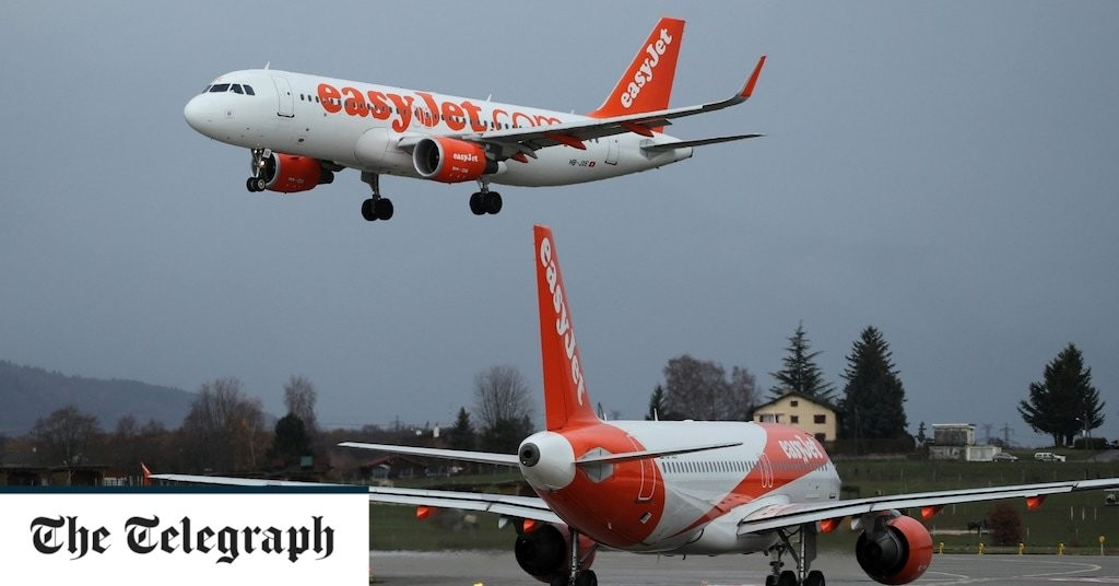 EasyJet accused of risking safety with pilot redundancy plans