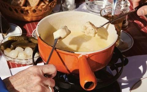 Cheese fondue Neuchâtel recipe