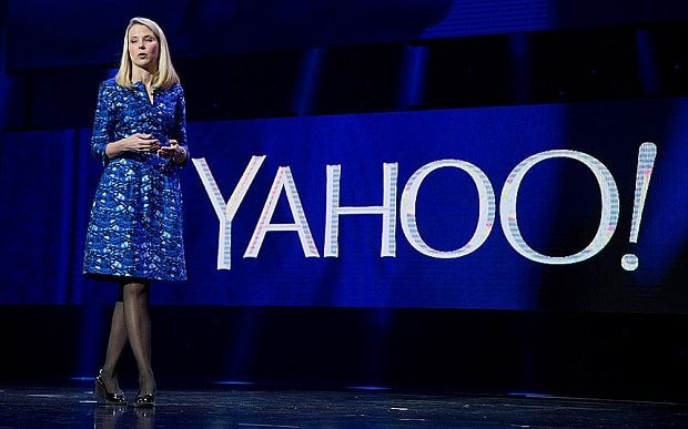 Yahoo! shares slump after $40bn Alibaba spin-off plan is thrown into doubt