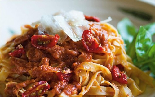 Classic tomato sauce recipe - perfect for all the family