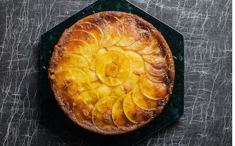 Upside-down apple and maple cake