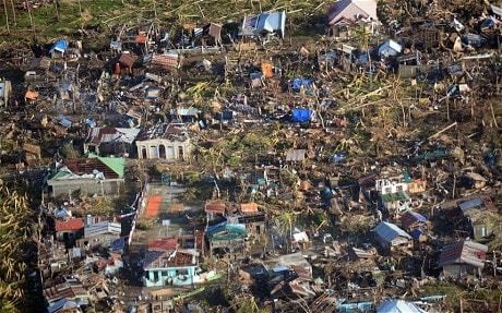 Typhoon Haiyan: Aid agencies hurry to reach survivors