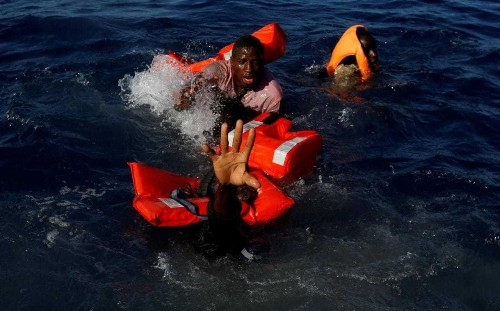 More than 8,000 migrants rescued in Mediterranean and brought to Italy over Easter long weekend
