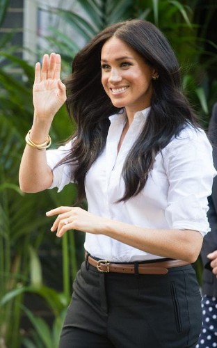 Sign up for royal fashion WhatsApp updates direct to your phone during the royal tour