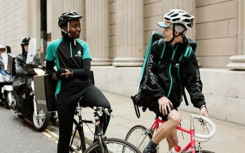 Tribunal to rule on Deliveroo riders' employment status