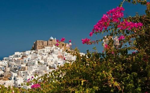 Greek islands: off the beaten track
