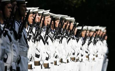New Zealand to allow male navy soldiers to wear false eyelashes under gender-neutral guidelines