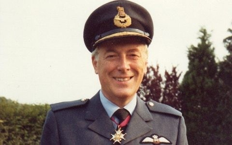 Air Vice-Marshal Michael Robinson, Cold War bomber pilot who served in V-Force, which carried Britain's strategic nuclear deterrent during the 1960s – obituary
