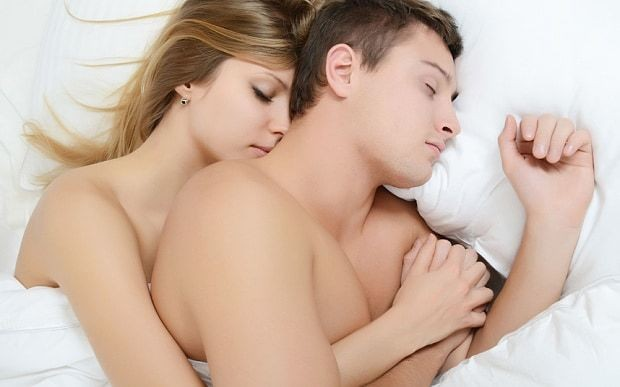 Men should sleep naked at night to improve sperm