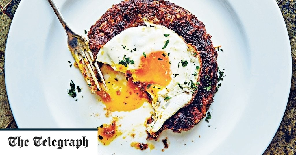 Corned beef hash with fried eggs recipe