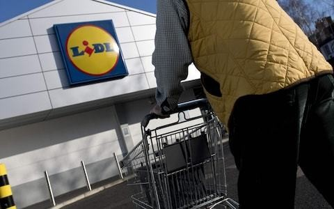 Lidl tells suppliers to pay no-deal fees to stock Irish stores