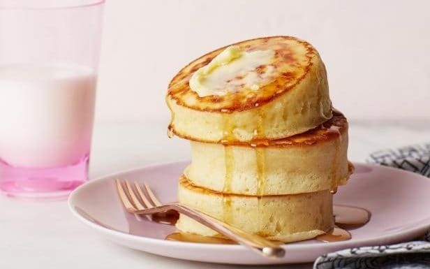 Forget flipping - wobbly pancakes are the latest food trend