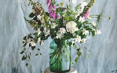 Flower power: How to create easy, professional-looking arrangements