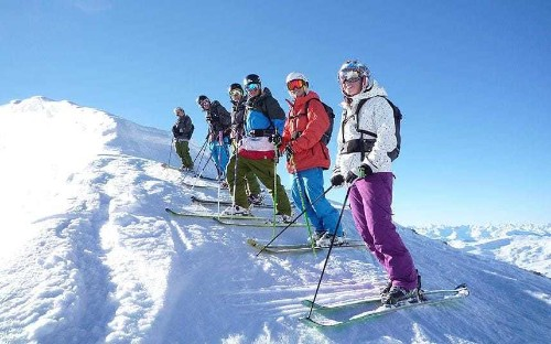 How to become a ski instructor in your gap year
