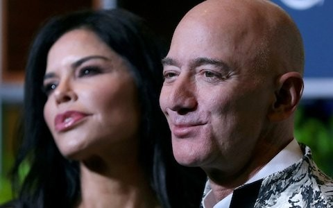 Brother of Jef Bezos's girlfriend denies leaking naked pictures