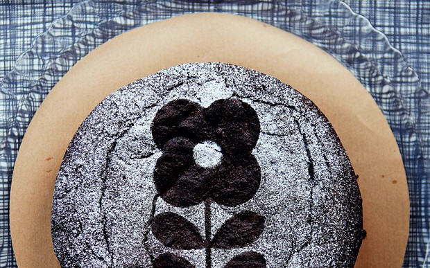 Flourless chocolate cake with Irish-coffee cream recipe