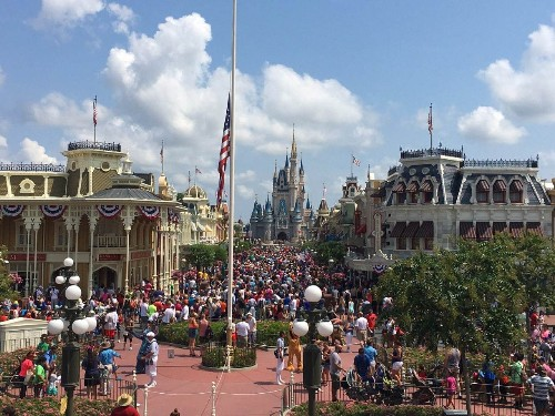 Holidaymakers stand by Florida following Orlando massacre
