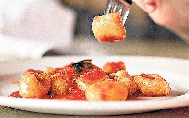 Potato gnocchi and tomato sauce recipe