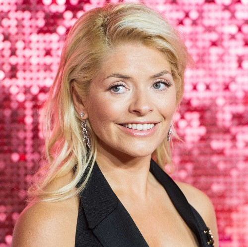 Holly Willoughby nailed the minimal make-up look last night