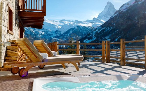 The coolest Airbnb properties in ski resorts
