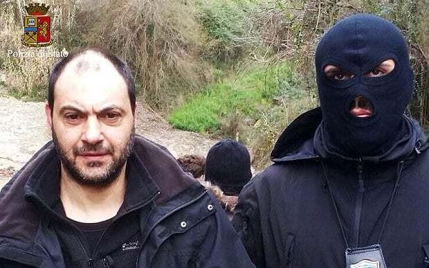 Fugitive mafia bosses arrested by Italian police after hiding in secret bunker