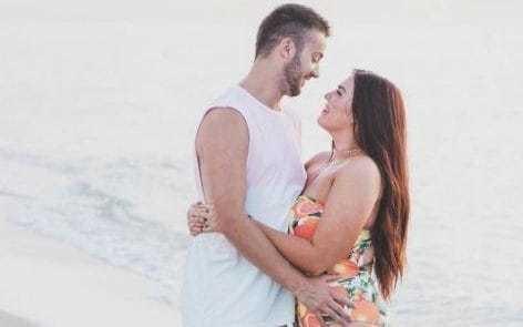 Dear 'nice guys', dating a 'curvy' woman does not make you a hero