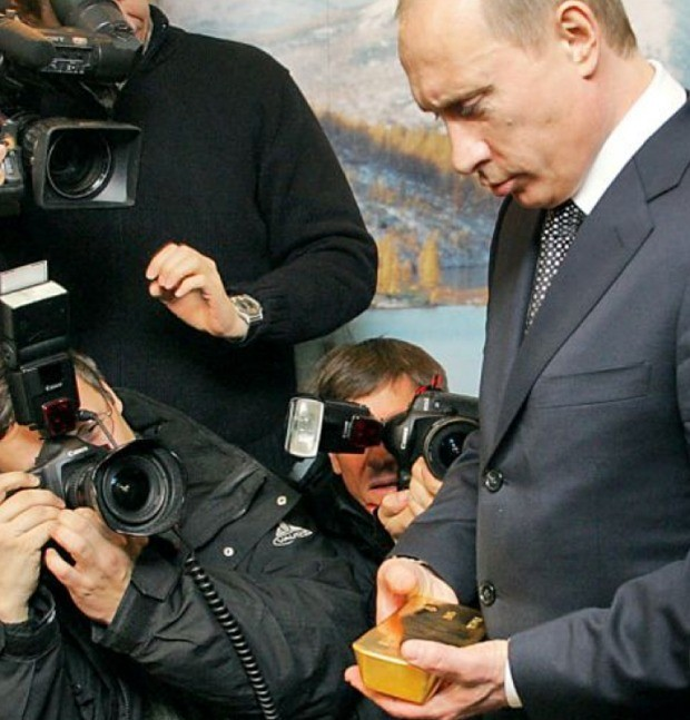 Europe in crisis: everyone from Putin to ordinary savers is stockpiling gold